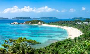 【沖縄・渡嘉敷島】「とかしくビーチ」はウミガメと遊泳できる人気のビーチ!とっておきの楽しみ方をご紹介!