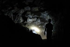 【沖縄・南大東島】さとうきび畑の下に広がる「星野洞」の魅力や周辺のおすすめスポットをご紹介