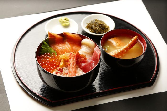 【北海道】札幌・小樽でおすすめの海鮮グルメ店4選!市場の食堂も居酒屋も◎