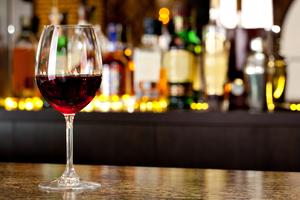 【国際センター周辺】おすすめのワインバー12選|深夜まで営業している高級感溢れるお店はこちら