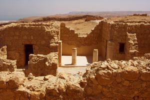 イスラエルの巨大要塞マサダ観光!自然に包まれた壮大な歴史を味わおう