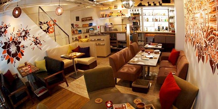 【東京】都内でおすすめのソファがあるカフェ20選|思わず長居しちゃう居心地の良いお店はこちら