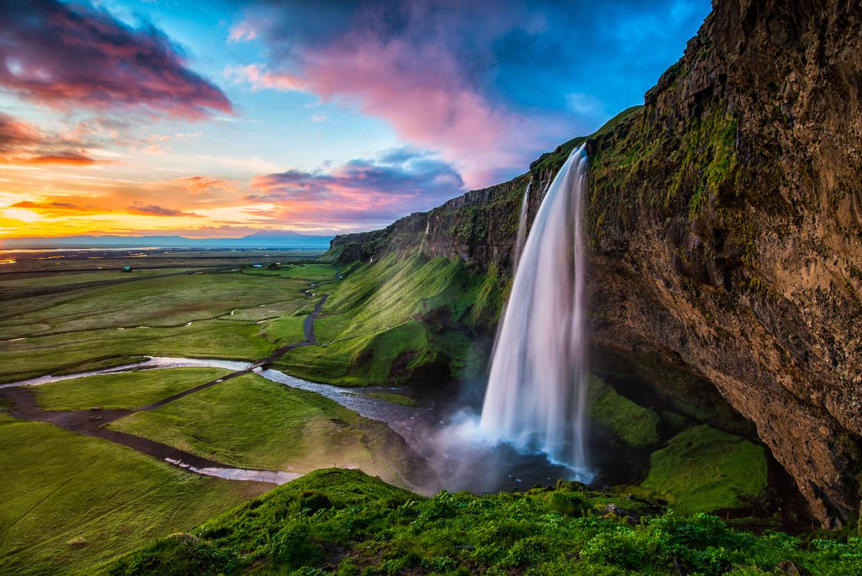 アイスランド観光でおすすめのスポット完全網羅:大自然が作り出す絶景 ...