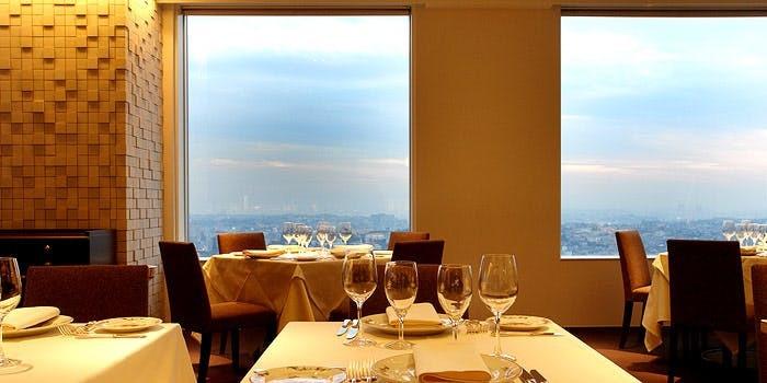 【神奈川】誕生日・記念日におすすめのレストラン20選+編集部厳選|雰囲気の味も良い人気店はこちら
