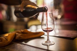 【大阪】おすすめのワインバー20選+編集部厳選|こだわりのワインを取り揃えているお店を厳選